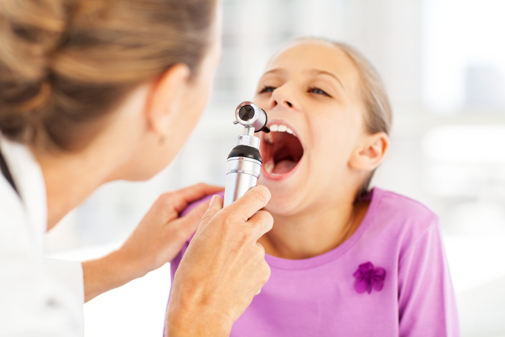 Symptoms and Treatment of Tonsillitis in Kids